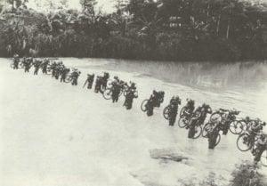 Niederländisch-ostinidische Truppen bei Übung