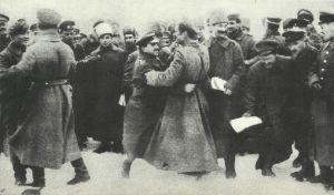 Verbrüderungsszenen zwischen deutschen und russischen Soldaten