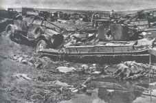 zerstörtes russisches Kriegsmaterial im Barwenkowo-Bogen