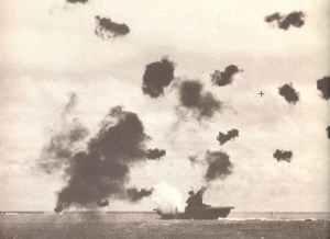 'Yorktown' unter einem Luftangriff