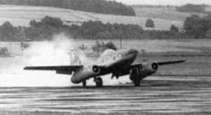 Me 262 V3 landet nach ihrem Erstflug