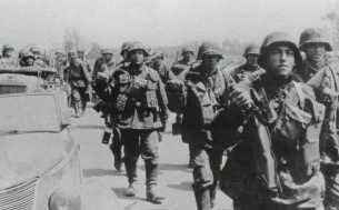 Vormarsch der Totenkopf-Division