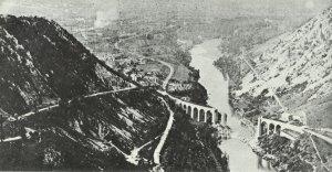 Gesprengte Brücken, wie hier der Eisenbahnviadukt von Salcano bei Gorizia