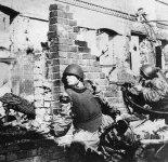 Russische Soldaten mit Körperschutz