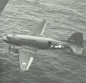 C-47 Dakotas auf dem Weg nach Bone