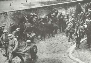 Deutsche Soldaten vor Gegenangriff bei Cambrai