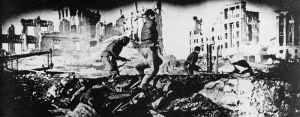 Angriffe russischer Infanteristen in den Ruinen von Stalingrad