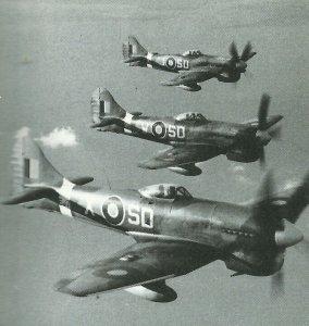 Trio von Hawker Tempest der 501. Squadron
