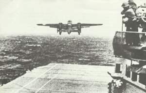 Start einer der B-25 vom Träger Hornet