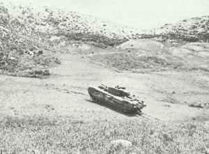 Churchill-Panzer erklettert Hügel