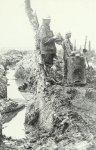 Englische Soldaten an einer improvisierten Feldküche