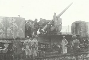 Französisches Eisenbahngeschütz an der Lys