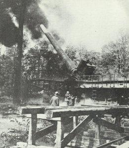 deutsche 38-cm-Kanone in Eisenbahnlafette