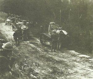 Us-Soldaten mit französischen FT-17 Panzern