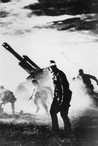 Sowjetische schwere Feldhaubitzen