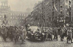 Masaryk kommt in Prag an