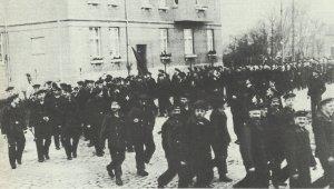 Demonstrierende Matrosen.