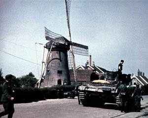 Deutscher Panzer in Rijsoord in Holland