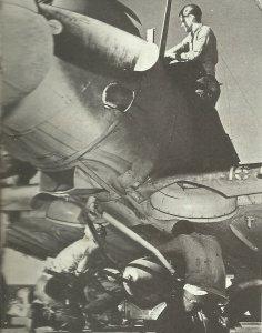 450-kg-Bombe an Dauntless