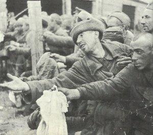 Hungernde russische Kriegsgefangene