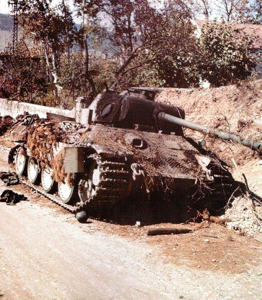 Zerstörter Panther-Panzer der Panzer-Lehr-Division