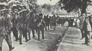 Vorbeimarsch der 'Eisernen Brigade'
