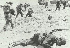 US-Infanterie am Strand der Normandie