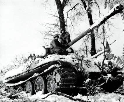 zurückgelassener Panther-Panzer der HJ