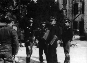 Panzeroffiziere des 'HG'-Panzer-Regiments