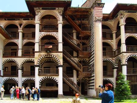 Das im jahr 2015 eröffnete museum besticht mit seinen werken aus der bulgarischen geschichte,. Rilakloster Weltkulturerbe Bulgarien Unesco