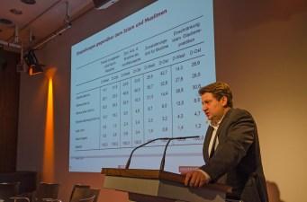 """Aöexander Yendell, Universität Leipzig referierte über """"Interkulturelle und interreligiöse Kontakte in West- und Ostdeutschland als Chance zum Abbau von Islamfeindlichkeit?"""""""