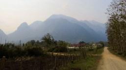 Die Reihen der Berge bis zum Horizont