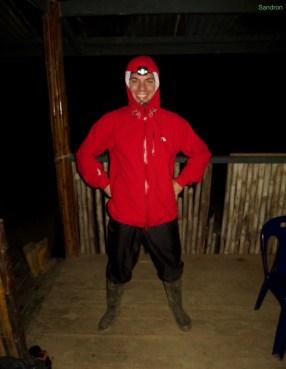 Aron ist bereit für die Nachtwanderung