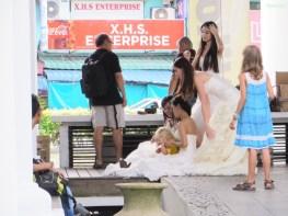 Lucie wurde für das Hochzeitsfotos entführt