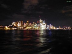 Bootsfahrt bei Nacht