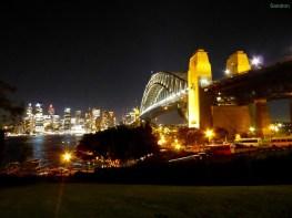 Die Harborbrücke bei Nacht