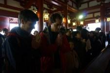 Im Tempel beten & Kleingeld loswerden