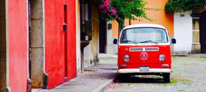 Antigua: Bunt bis in die Busse