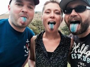 """Blaue Zungen nach einer großen Portion """"Schlumpfeis"""""""