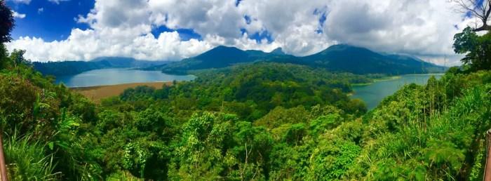 Aussichtspunkt im Inselinneren mit Blick auf die Seen Danau Buyan