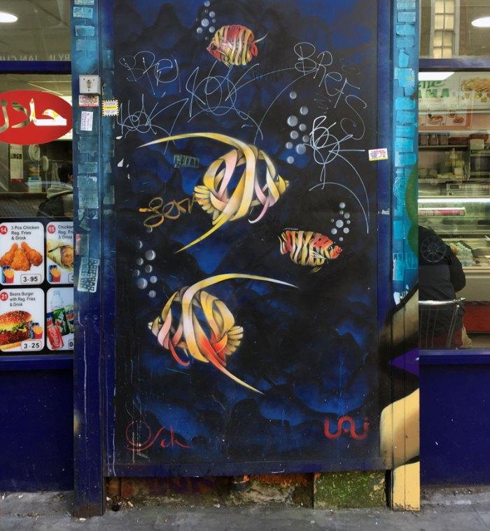 Aquarium, Street Art by Otto Schade, London, Ribbon Style