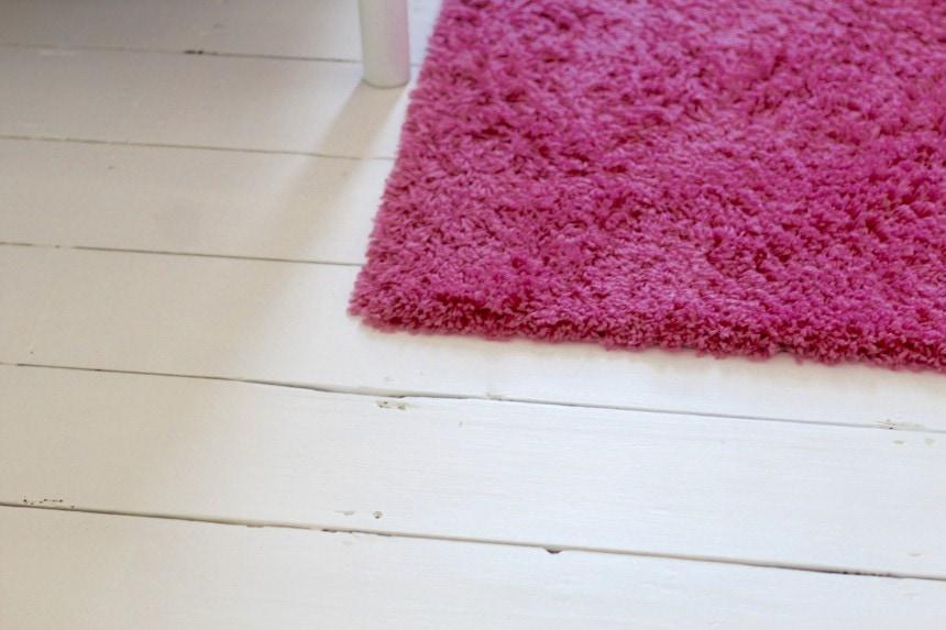 chalk paint floorboards
