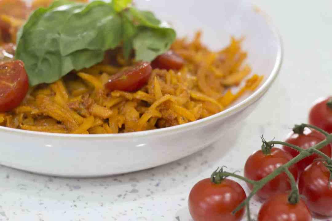 Butternut Squash Noodles with Red Pesto – Squashetti and Pesto Recipe
