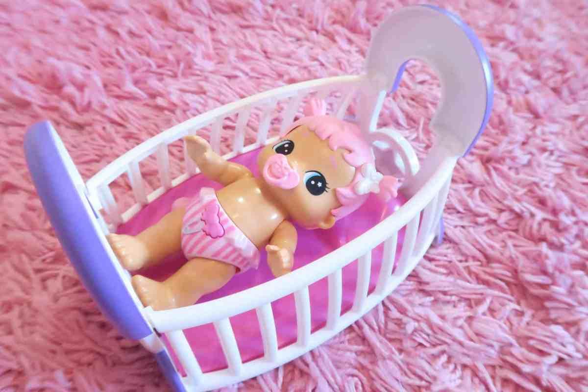 Little Live Bizzy Bubs Cute Crib