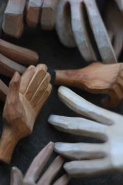 Hands04