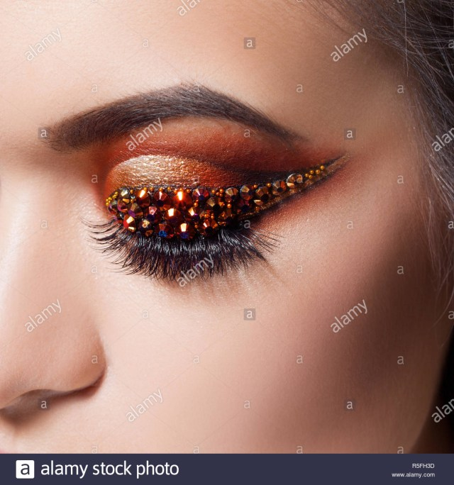 Amazing Eye Makeup Amazing Bright Eye Makeup With A Arrow With Rhinestones Brown And