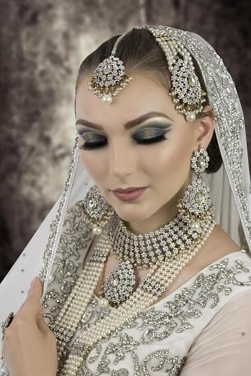 Bridal Makeup Hooded Eyes Asian Bridal Makeup Course Indian Pakistani Makeup Artist Training