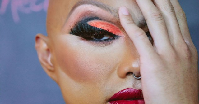 Drag Eye Makeup How To Do Drag Queen Makeup Tutorial Tips From Pros