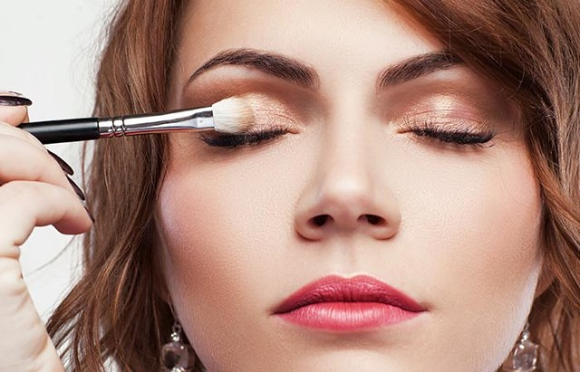 Dramatic Makeup For Small Eyes 11 Magical Makeup Tricks That Make Your Small Eyes Look Bigger