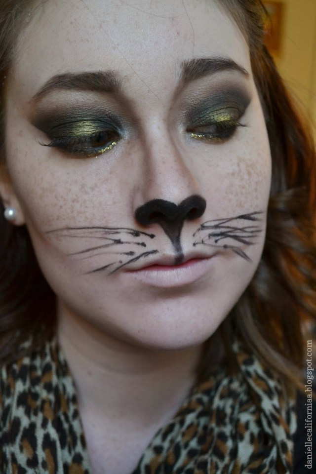 Halloween Cat Eye Makeup Confessions Of A Beauty School Dropout Halloween Last Minute